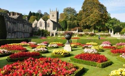 Romantisches Cornwall zur Sommerblüte
