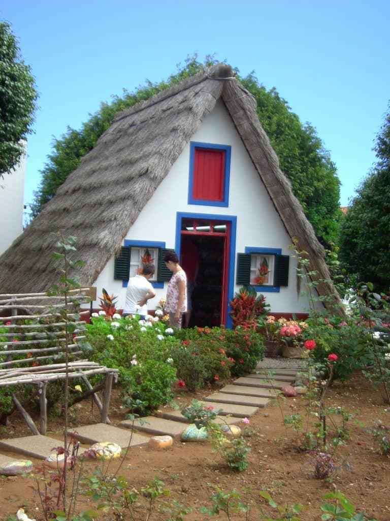 Madeira zu silvester zur kamelienbl te oliva reisenoliva for Haus in madeira