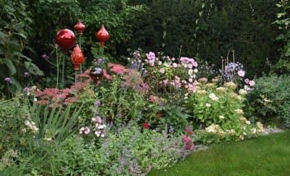 Englische Gärten in Niederösterreich zur Rosenblüte