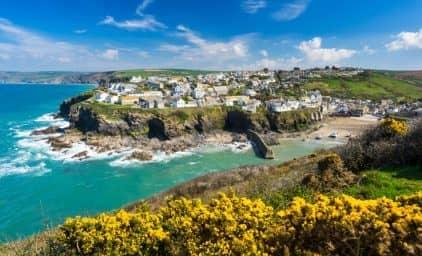 Romantisches Cornwall zur Rosen- & Rhododendronblüte