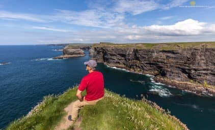 Irland – blühende Rhododendren und wildes Meer